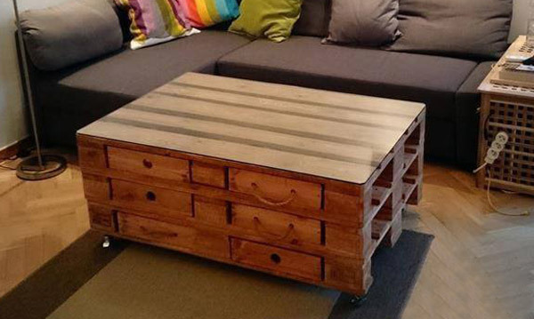 How to Make a Coffee Table -- Step-by-Step DIY Guide -- Rustic DIY Palette Coffee Table with drawers
