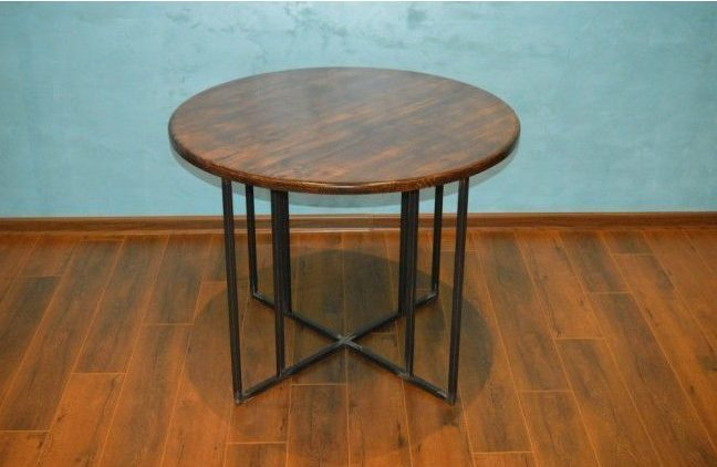 How to make a DIY round wooden table -- Round table with solid oak top and metal base