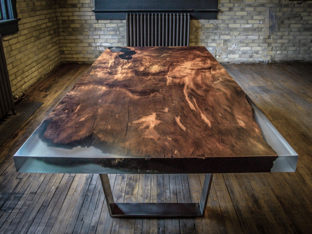 How to make a DIY Epoxy Resin Table - River Table – Step-by-Step Guide -- Incredible furniture made of epoxy resin and wood
